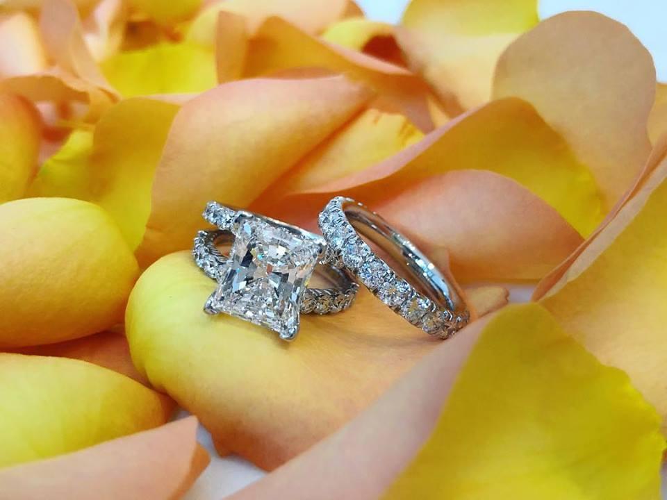 14kt white gold 4.05ct princess cut & round brilliant cut diamond ring & 14kt white gold round brilliant cut diamond band