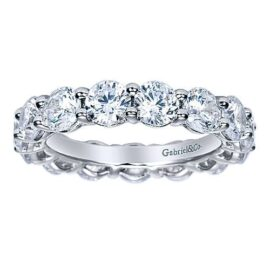 4.94 carats round diamond eternity band G-H SI