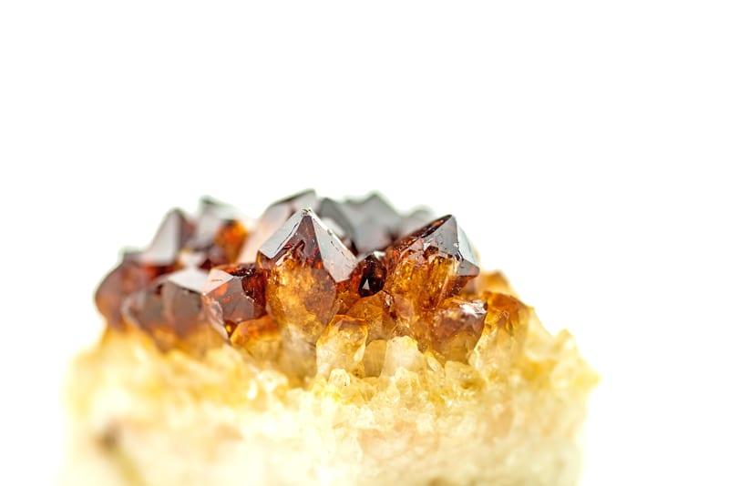 garnet gemstone - january birthstone