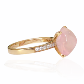 22092 front 18kt rose gold rose quartz 6.78ct & diamond .20ctw ring alt (1)