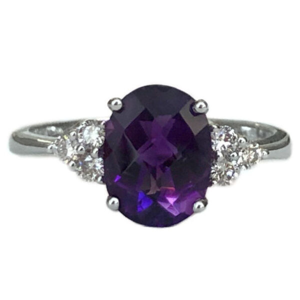 oval amethyst 1.71 carat ring with diamonds