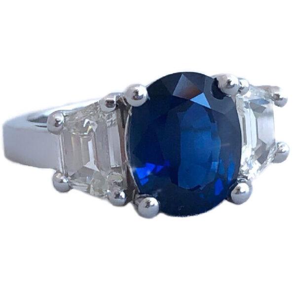 oval sapphire 3.58 carat & trapezoid diamonds ring