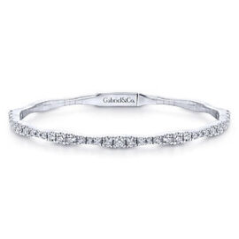 bangle with clasp set with diamonds