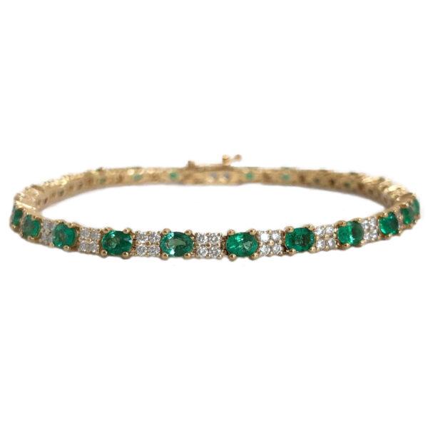 oval emerald 4.37 carats and diamond bracelet