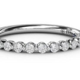 single shared prong diamond band