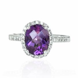 23112 14kt white gold oval amethyst 1.55ct & diamond .19ctw ring